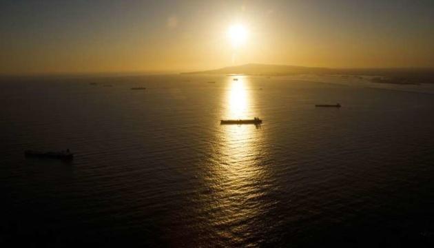 У Перській затоці евакуйовують танкер – на судні знайшли міну