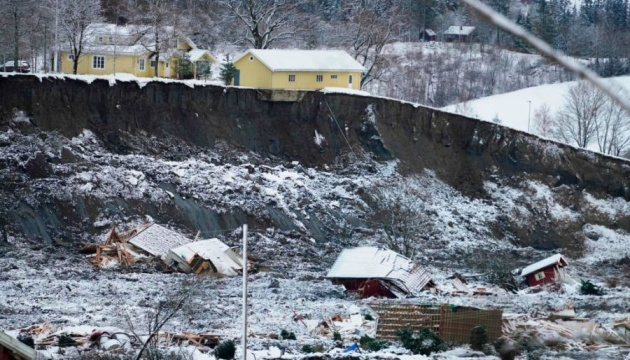 Зсув ґрунту у Норвегії: одна людина загинула, дев'ятьох шукають