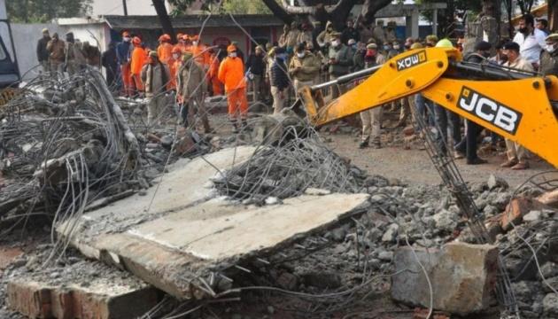 В Індії обвалився дах крематорію, 25 осіб загинули
