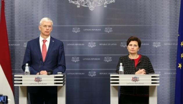 Главу МОЗ Латвії хочуть звільнити через провал COVID-вакцинації
