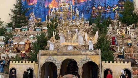 У Тернополі відкрили найбільшу в країні Різдвяну шопку