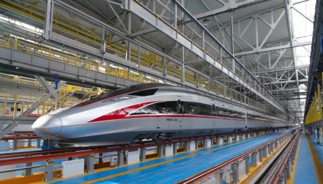 У Китаї створили морозостійкий потяг, що розганяється до 350 кілометрів
