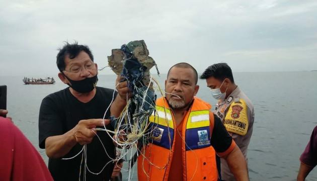 Міністр транспорту Індонезії підтвердив катастрофу літака Boeing