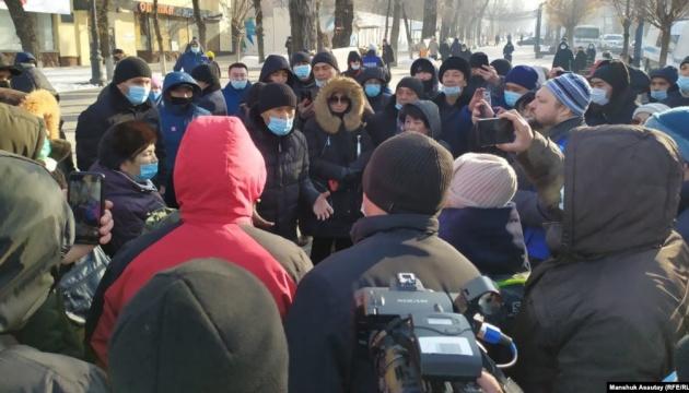 В Казахстане в день выборов проходят митинги, есть задержанные