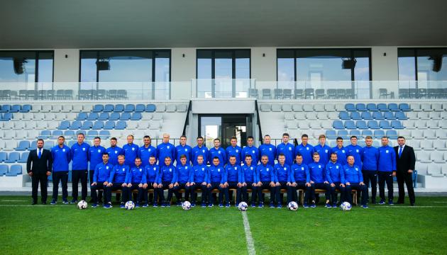 «Минай» взял на просмотр десятерых футболистов