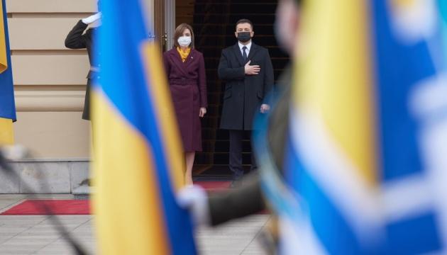 Ukraine, Moldova willing to join Three Seas Initiative
