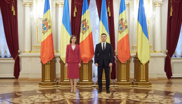 Zelensky, Sandu sign memorandum on transport and transit potential development