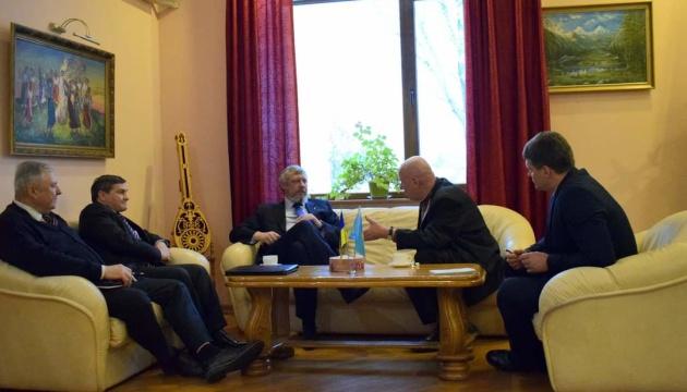 У посольстві в Казахстані обговорили співпрацю з організаціями української діаспори