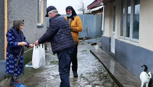 Союз українців Румунії у період зимових свят передав гуманітарну допомогу нужденним