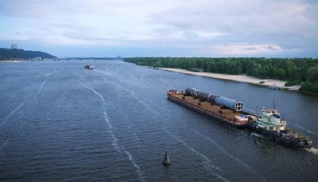 Перевезення вантажів по Дніпру торік скоротилися майже на 5% — АМПУ