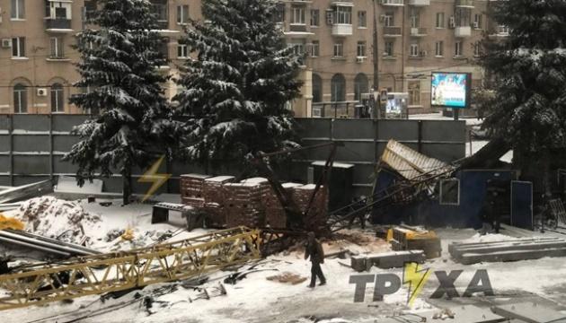 У центрі Харкова упав будівельний кран