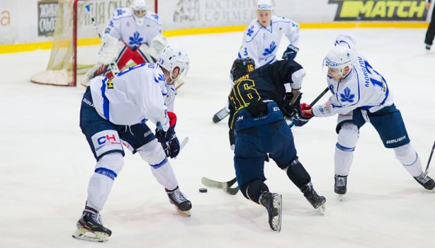 УХЛ: «Сокіл» програв «Білому Барсу», переможна серія «Кременчука»