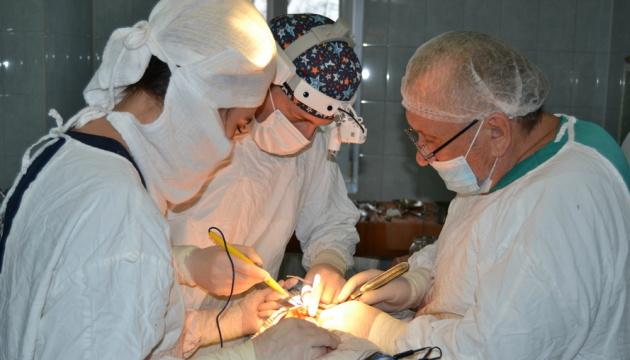 На Прикарпатье впервые выполнили сложную онкооперацию с восстановлением нижней челюсти