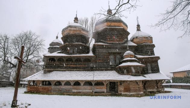 На Львівщині зняли проморолик про дерев'яні церкви області