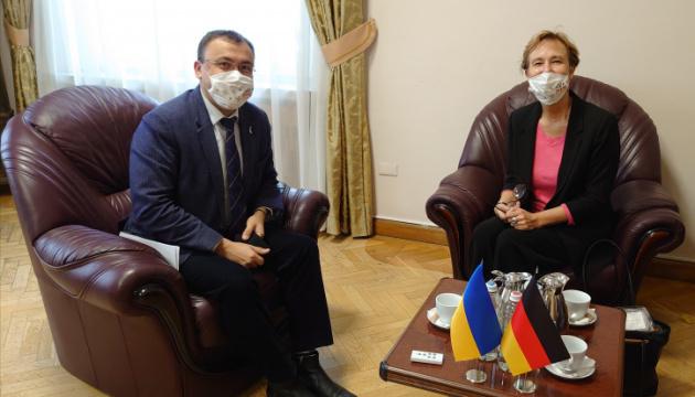 Außenministerien der Ukraine und Deutschlands vereinbaren politische Konsultationen