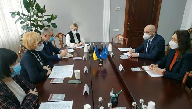 Денісова обговорила з головою місії ООН доступ до незаконно арештованих у Криму