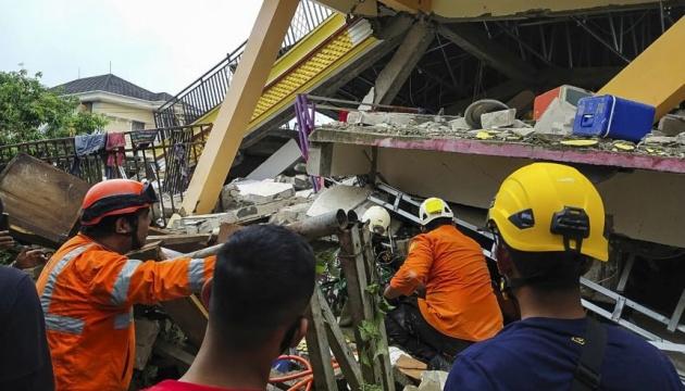 Кількість жертв землетрусу в Індонезії зросла до 42