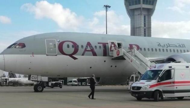 В Турции самолет совершил аварийную посадку из-за COVID-больного