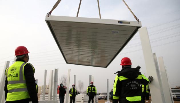 У Китаї за п'ять днів побудували COVID-лікарню на 1,5 тисячі палат