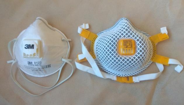 В Австрії більш як утричі зріс штраф за неносіння FFP-маски