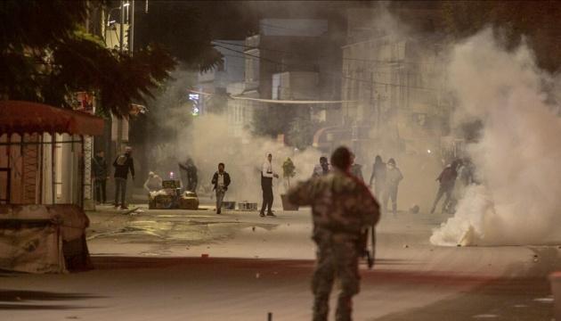 На протестах проти локдауну в Тунісі затримали понад 600 осіб
