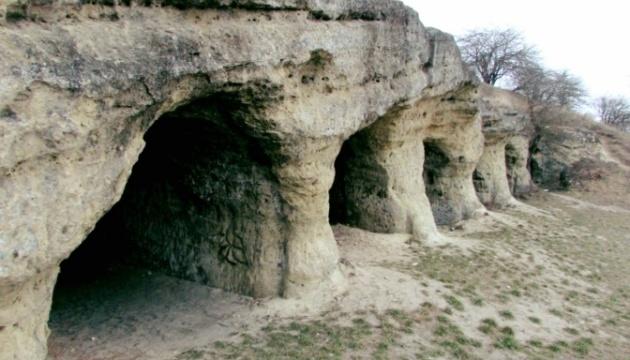 На Львовщине спасают оборонительную крепость, которую бизнес хочет превратить в песчаный карьер
