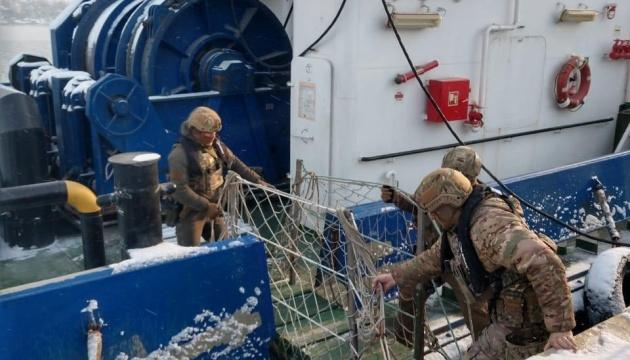 СБУ блокировала схему переправки моряков на работу в оккупированный Крым