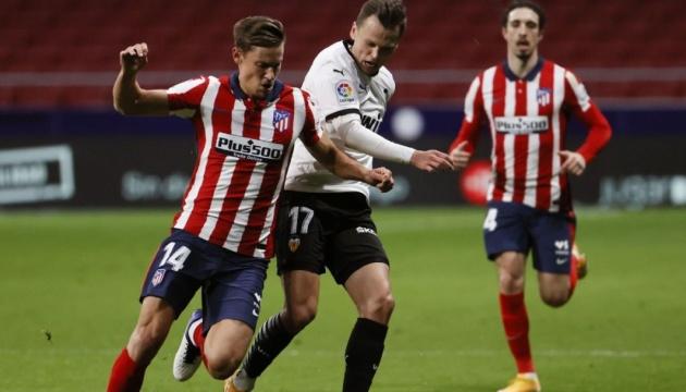 «Атлетико» победил «Валенсию» и уверенно лидирует в Ла Лиге