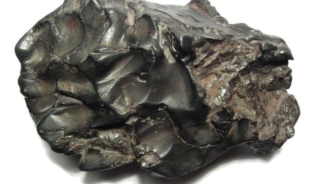 В николаевском музее впервые демонстрируют обломки уникальных метеоритов