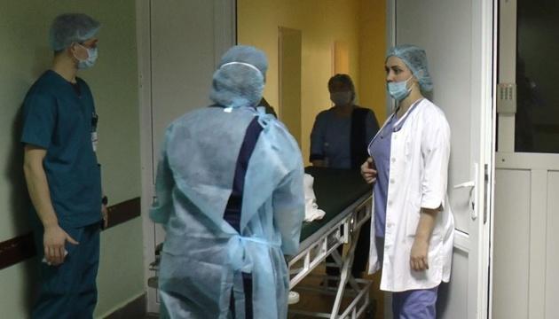 В одній із «ковідних» лікарень Івано-Франківська в реанімації вже немає місць