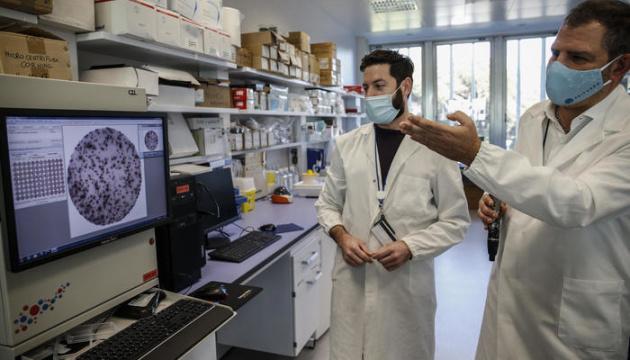 Италия обещает собственную COVID-вакцину в сентябре