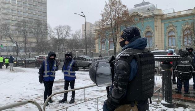 Поліція посилено охороняє порядок у центрі Києва
