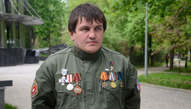СБУ объявила в розыск боевика, который пытал украинских военных