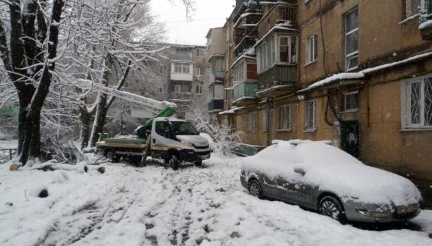 В Украине из-за непогоды без света остаются 68 населенных пунктов