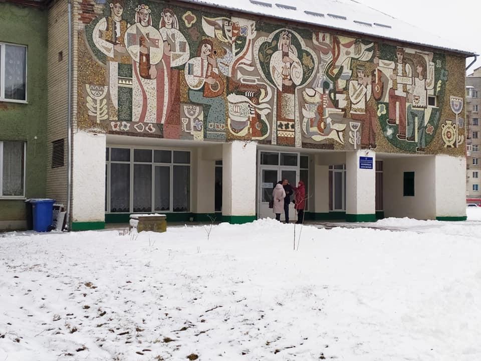 Новояворівська школа мистецтв, яку закінчив Андрій Кузьменко по класу фортепіано