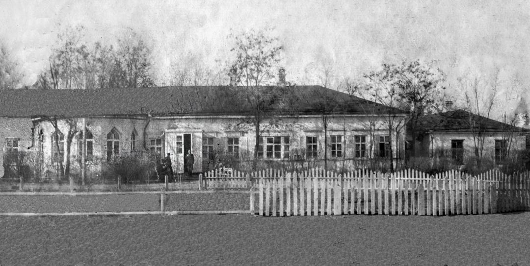 Старий будинок у маєтку Круглик