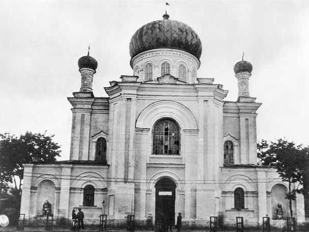Троїцька церква у Лубнах, де деякий час знаходився Лубенський Український історичний музей