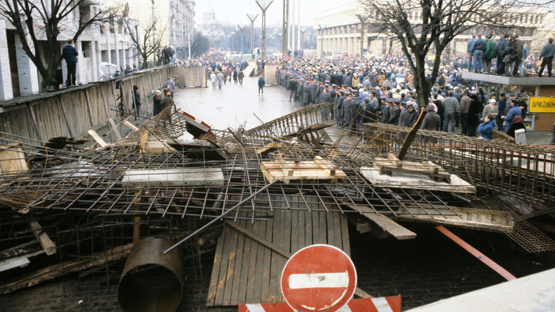 Барикади на вулицях міста, 13 січня 1991 року