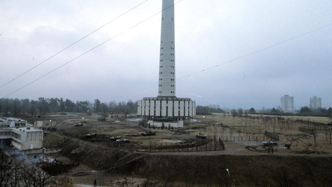 У будівлі телецентру в Вільнюсі, 13 січня 1991 року