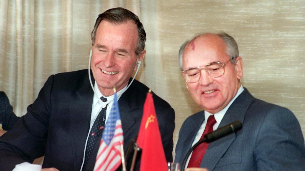 Джордж Буш і Михайло Горбачов