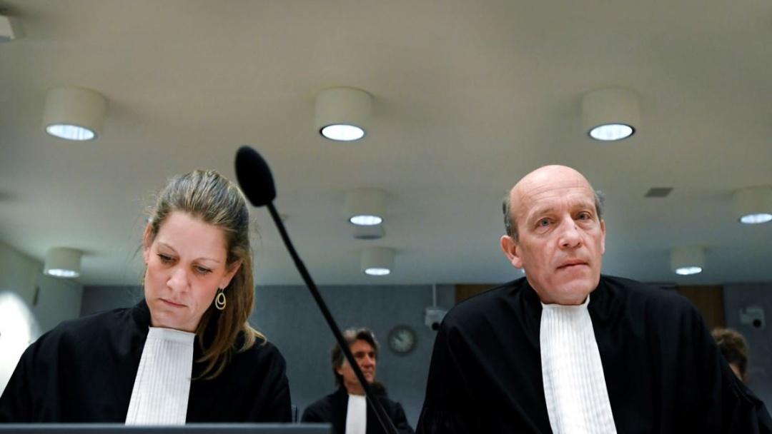プラートフ容疑者の弁護士