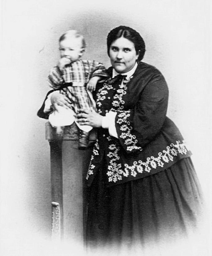 мати Ганна Петрівна Вернадська із сином Володею, 1864 р. А