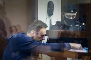 Навальний оголосив, що припиняє голодування