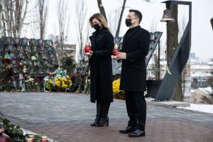 Präsidentenpaar gedenkt der Helden der Himmlischen Hundertschaft