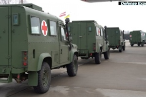 Ukrainian military get medical vehicles from Latvian government