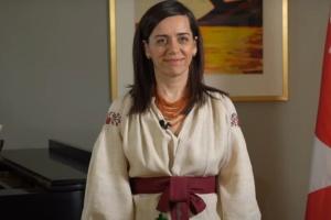 Посол Канади прочитала вірш Лесі Українки трьома мовами