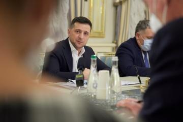 Präsident Selenskyj bei Treffen mit Chefs der TV-Sender: Keine Gefahr für Pressefreiheit und Medienbusiness