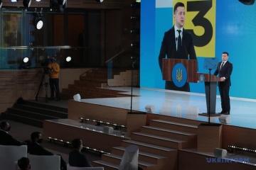 Ukrainer dürfen nur mit Corona-Impfung in die EU reisen - Selenskyj