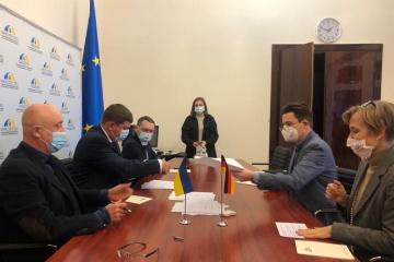 Deutschland hilft der Ukraine mit 13,1 Mio. Euro bei Bekämpfung von Corona