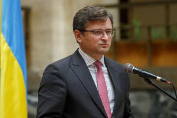 """Kuleba: El Kremlin no ha logrado promover el """"mundo ruso"""" en Ucrania con tanques, ni podrá hacerlo con el poder blando"""